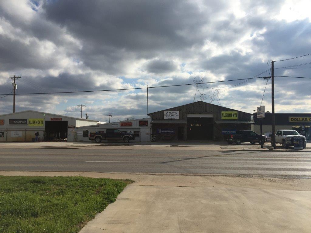 300 W CENTRAL Avenue, Comanche, TX 76442