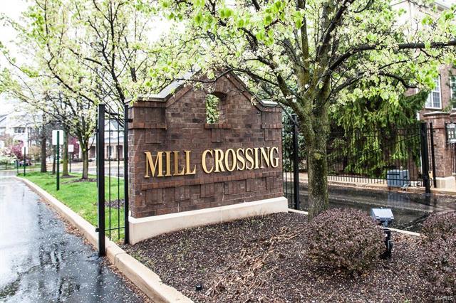 1151 Mill Crossing, Creve Coeur, MO 63141