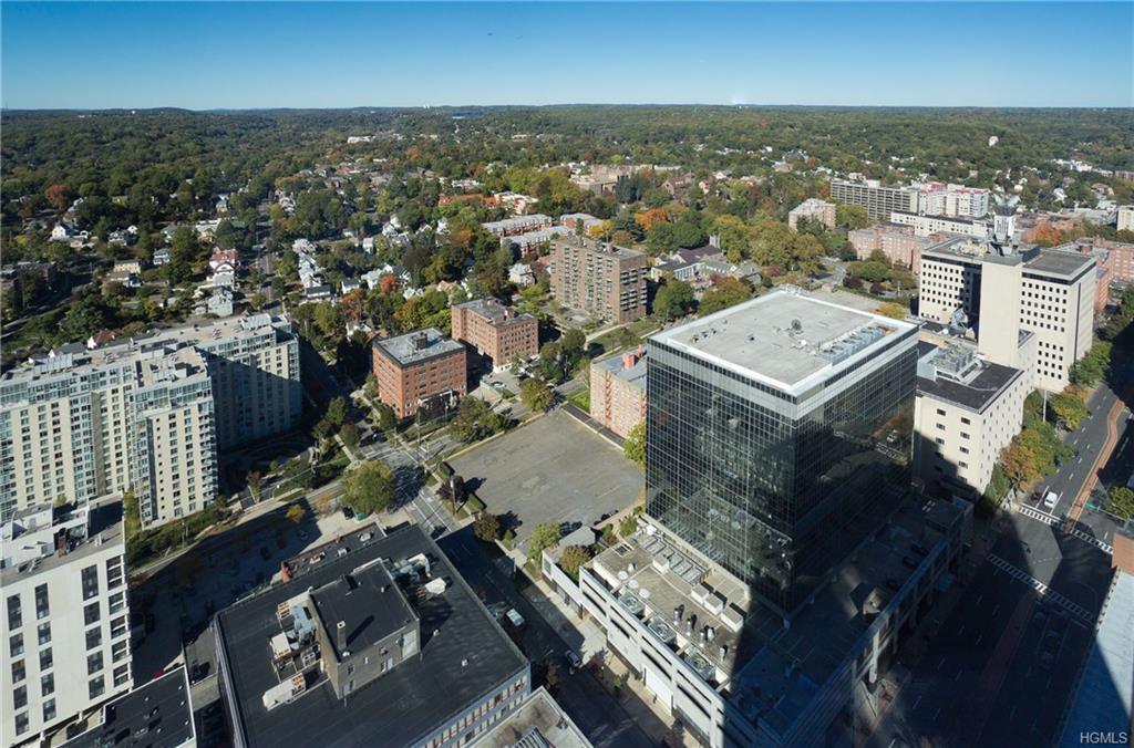 5 Renaissance Square 41PH10c, White Plains, NY 10601