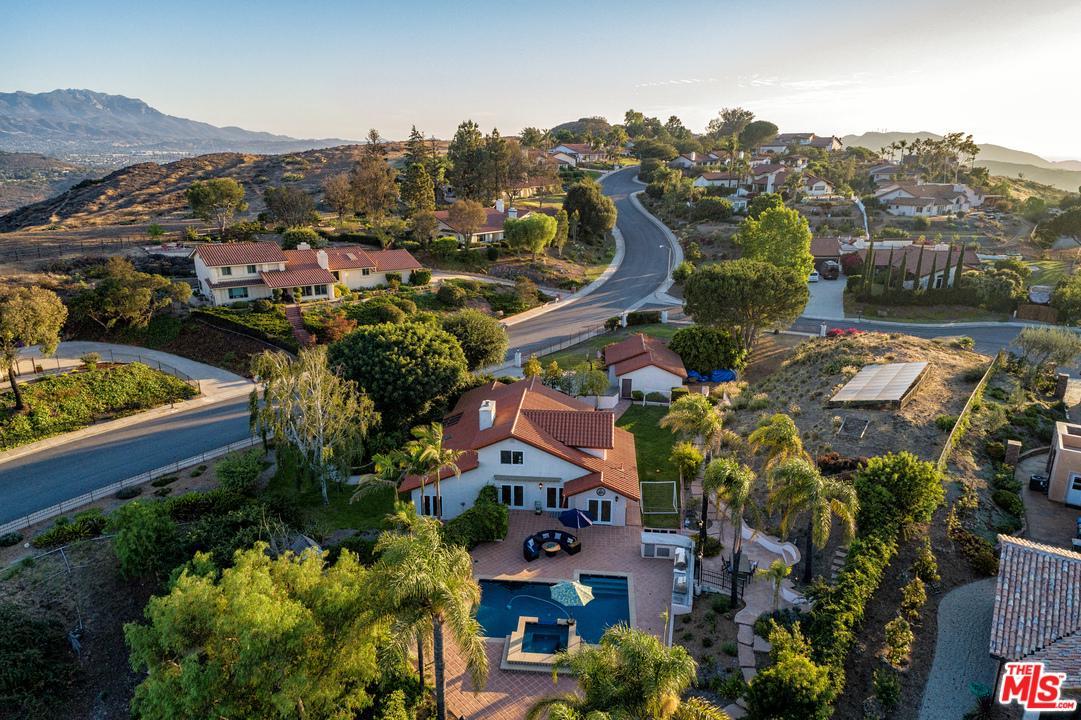 1061 WILDWOOD Avenue, Thousand Oaks, CA 91360