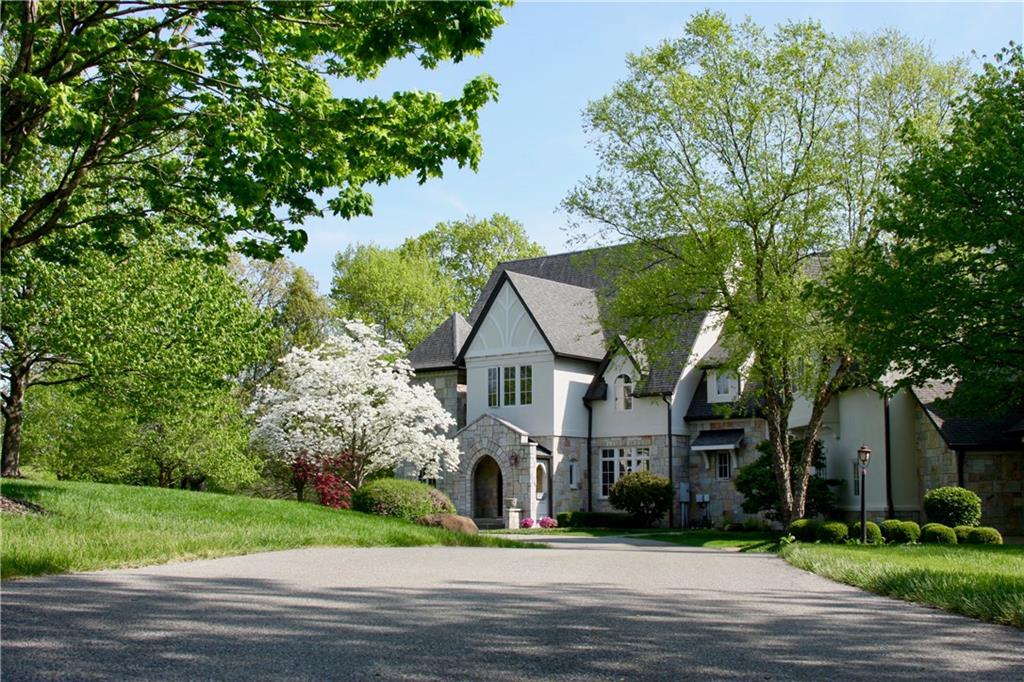 7251 Hunt Club Lane, Zionsville, IN 46077