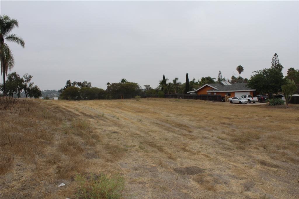 1505 Olive Ave, Vista, CA 92083