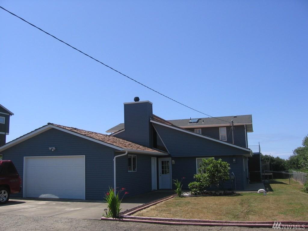 393 Ocean Shores Blvd NW, Ocean Shores, WA 98556