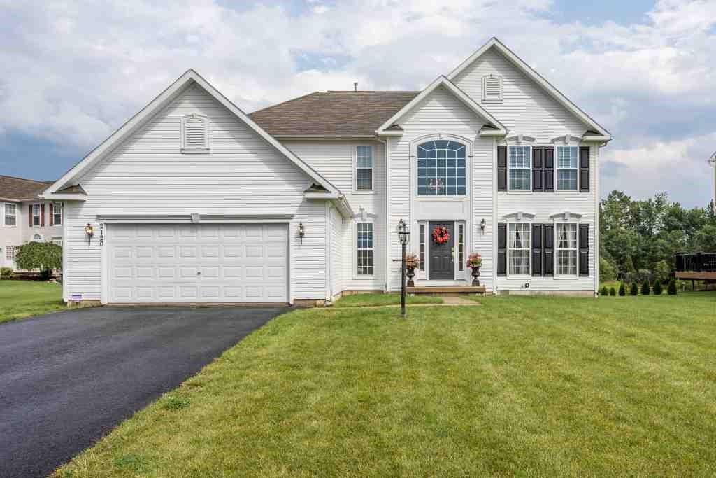 2120 Stablegate Drive, Canandaigua, NY 14424