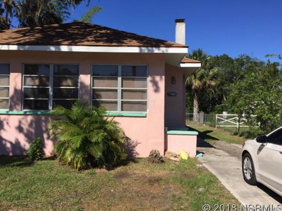 907 Live Oak St, New Smyrna Beach, FL 32168