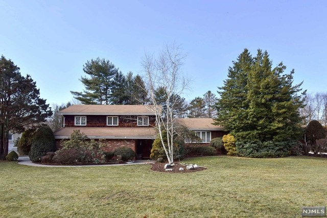 710 High Mountain Road, Franklin Lakes, NJ 07417