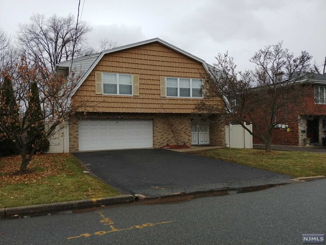 9 Henry Street, Moonachie, NJ 07074