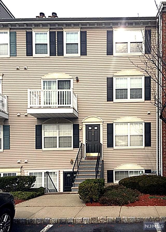 22 Seton Hall Drive, Newark, NJ 07103