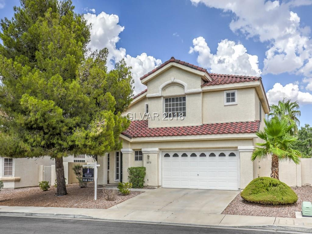 Gorgeous community pool & spa. Easy access to 215 & 95 and in the best school zone! Must see!