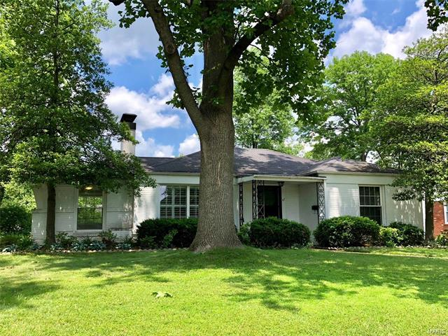 47 Holly Drive, Webster Groves, MO 63119
