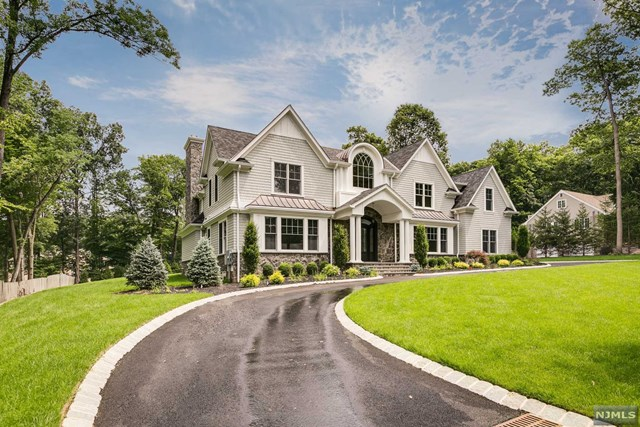 47 Oak Drive, Upper Saddle River, NJ 07458