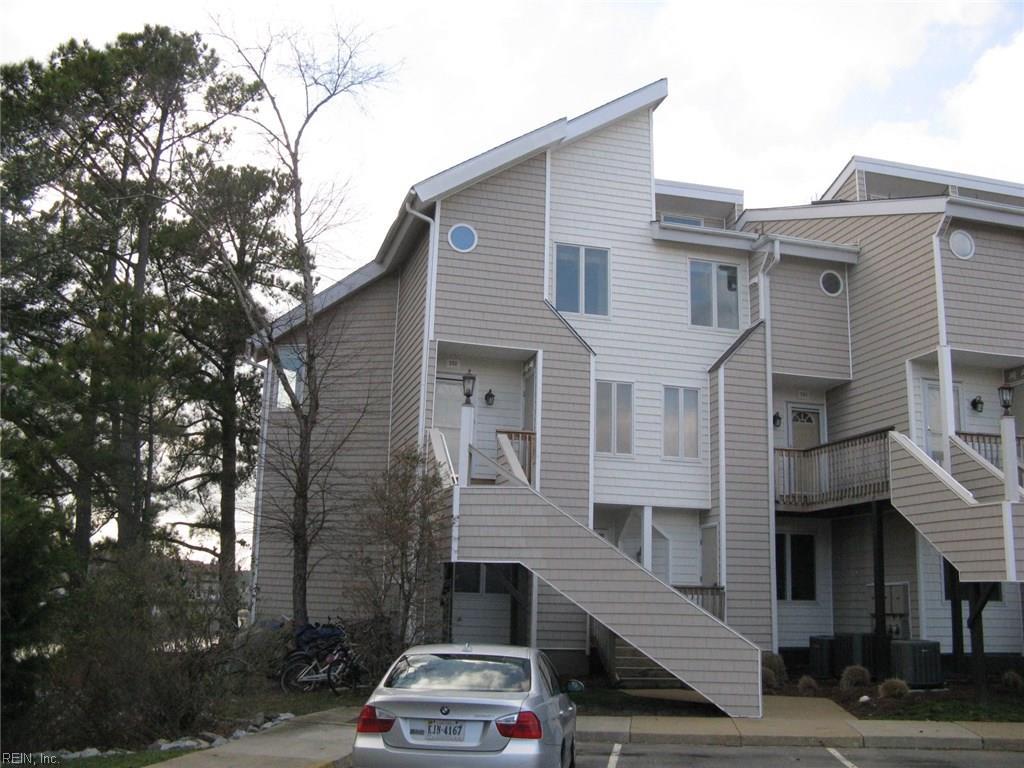 100 Pinewood RD, Virginia Beach, VA 23451