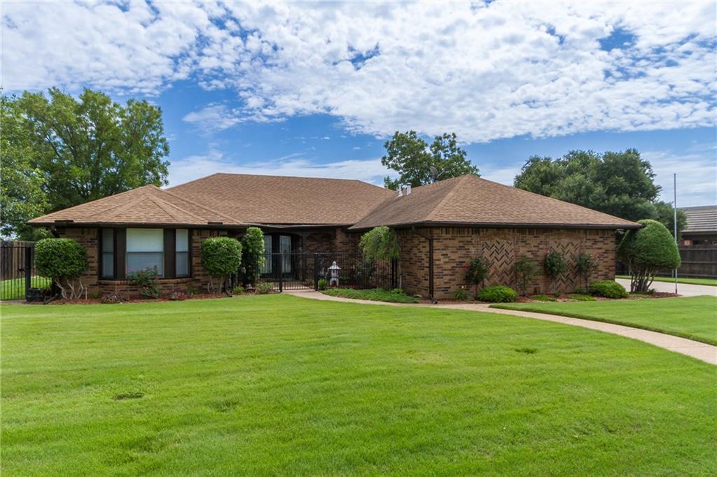 106 Westmeadow Drive, Cleburne, TX 76033