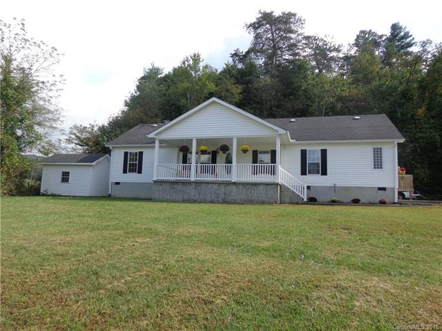 Charming,3 bd, 2 bath, split bedroom plan with bonus room.  Large open kitchen area with built in desk, breakfast area and dining area, beautifully maintained. Enjoy beautiful mountain top views while relaxing on the  24 x 10 ft. covered front porch.