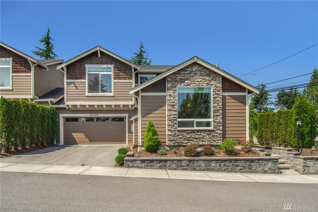 21406 40th Ct W, Mountlake Terrace, WA 98043