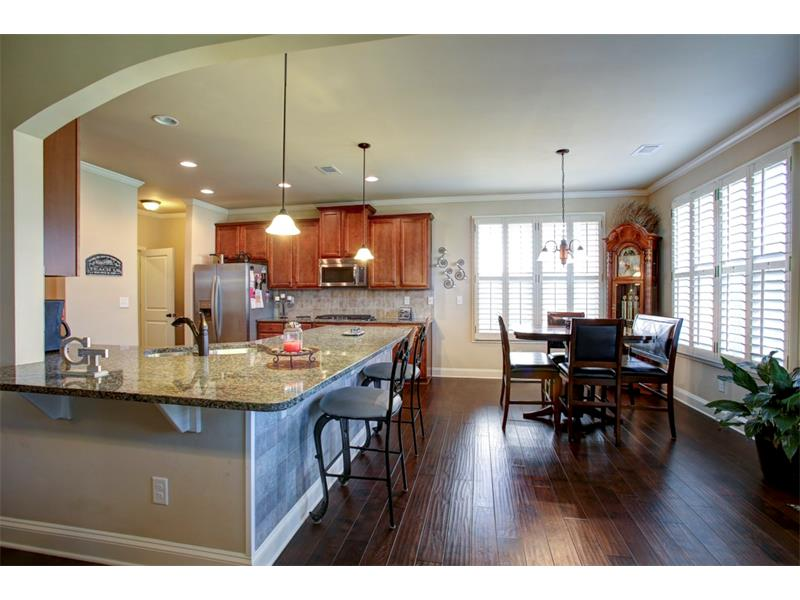 Enormous kitchen & breakfast is perfect for entertaining or a large family!