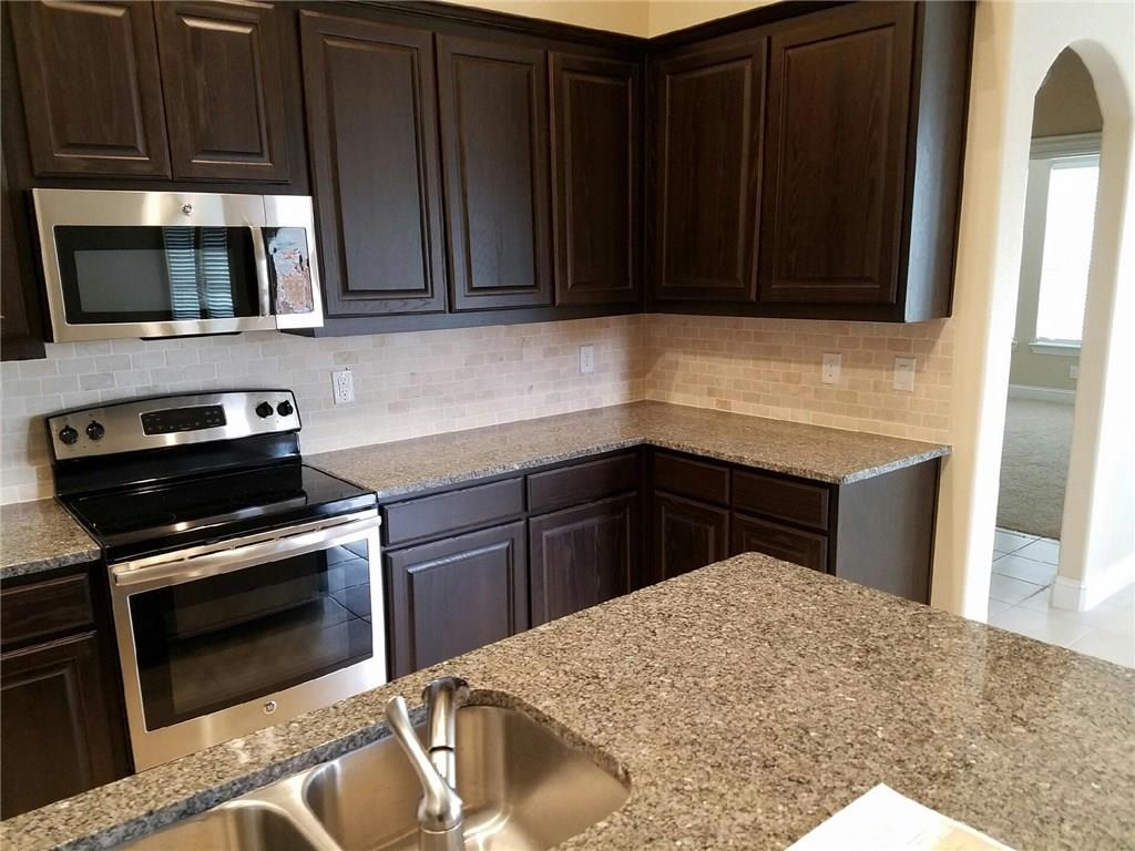 great single story! perfect layout with generous kitchen cabinets!