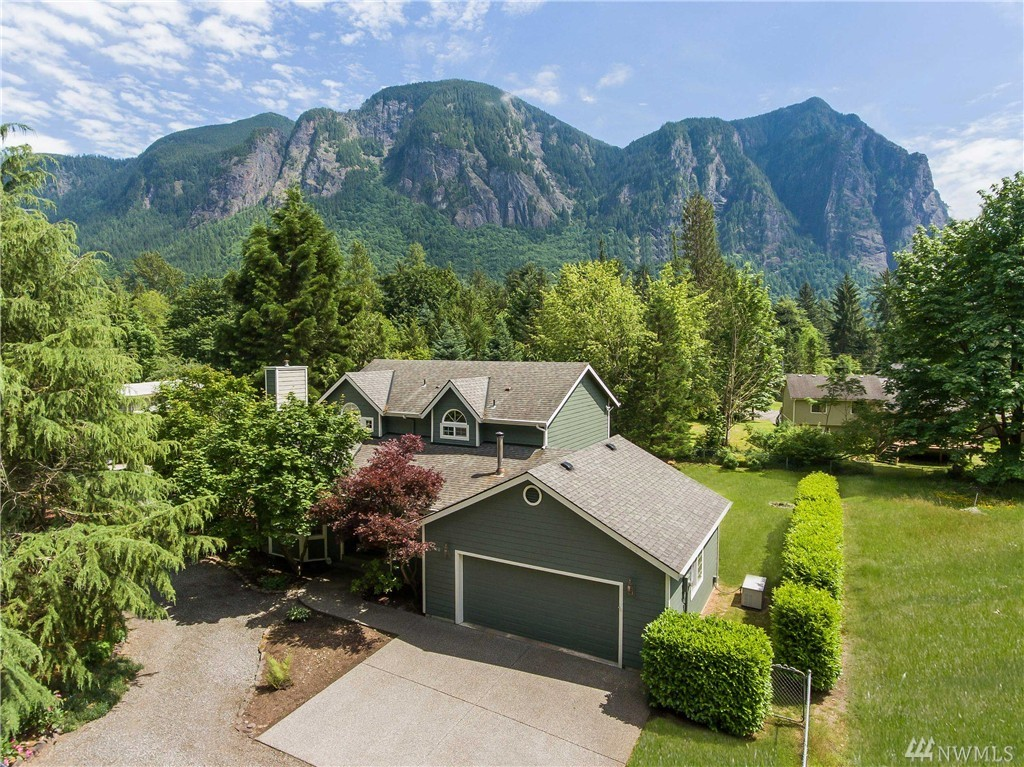 7410 N Fork Rd SE, Snoqualmie, WA 98065