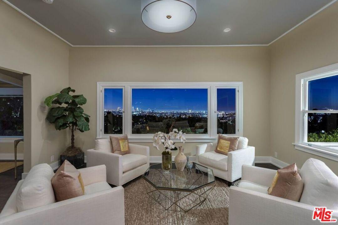 2338 HOLLYRIDGE Drive, Los Angeles (City), CA 90068
