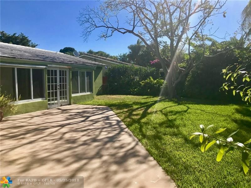 """4/2 WATERFRONT HOME W/ GUEST HOUSE.  """"CASH  BUYERS ONLY"""", GREAT RENOVATION PROJECT, & HOME WOULD BE A TOTAL GEM!   LOT 13,829 SQ FT & 102'  ON N FORK OF MIDDLE RIVER.  IMPACT WINDOWS NOT DOORS HUGE CIRCULAR DRIVEWAY.  OPEN FLOOR PLAN.  TROPICAL REAR YARD W/  ROOM FOR A  POOL.  CLOSE TO WILTON MANORS.  7 DAY INSPECTION PERIOD, NO ASSIGNING CONTRACT, MINIMUM DEPOSIT DOWN IS $15K, """"NO HARD MONEY LENDER"""" PROOF OF FUNDS LETTER ACCEPTED,  VERY, VERY, VERY LITTLE NEGO ON PRICE; SOLD AS IS, NO SELLER CONCESSIONS"""