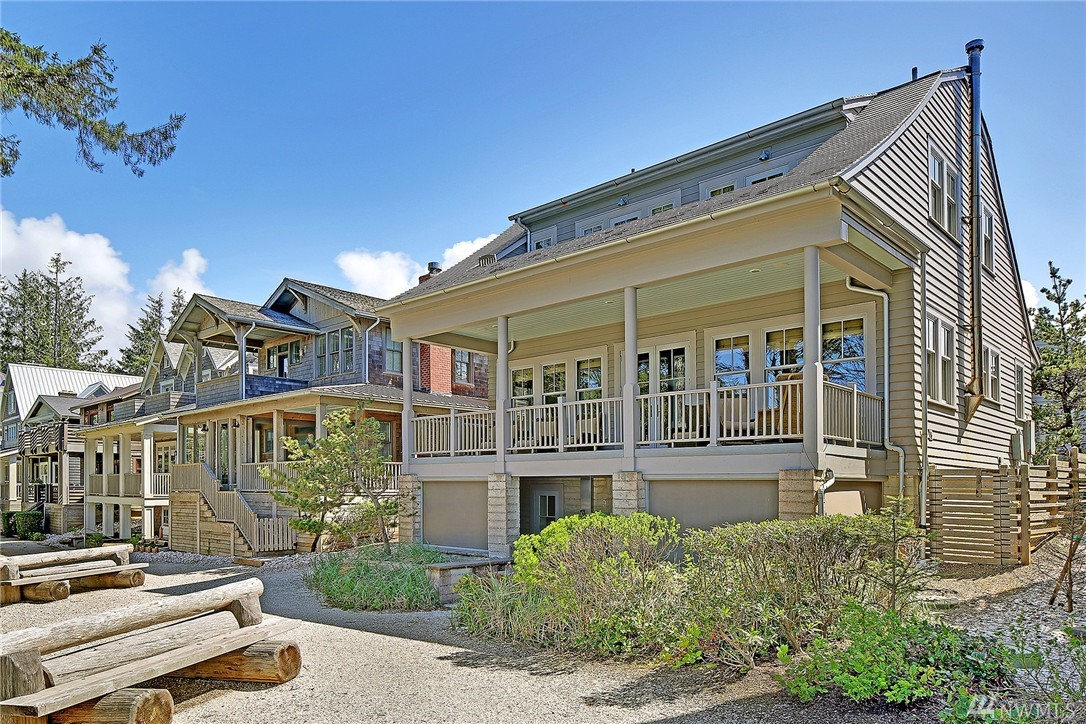 9 N Glen Lane, Pacific Beach, WA 98571