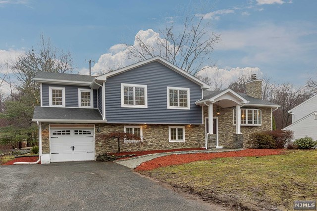 240 West Place, Twp of Washington, NJ 07676