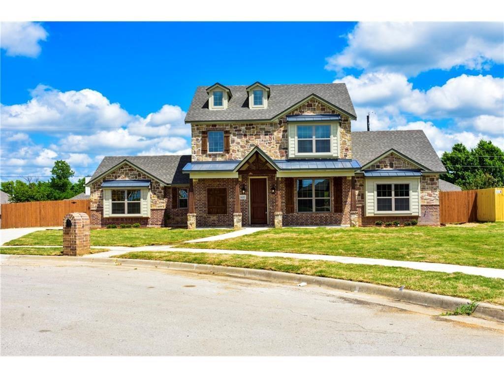 1625 Hawthorne Street, Cleburne, TX 76033