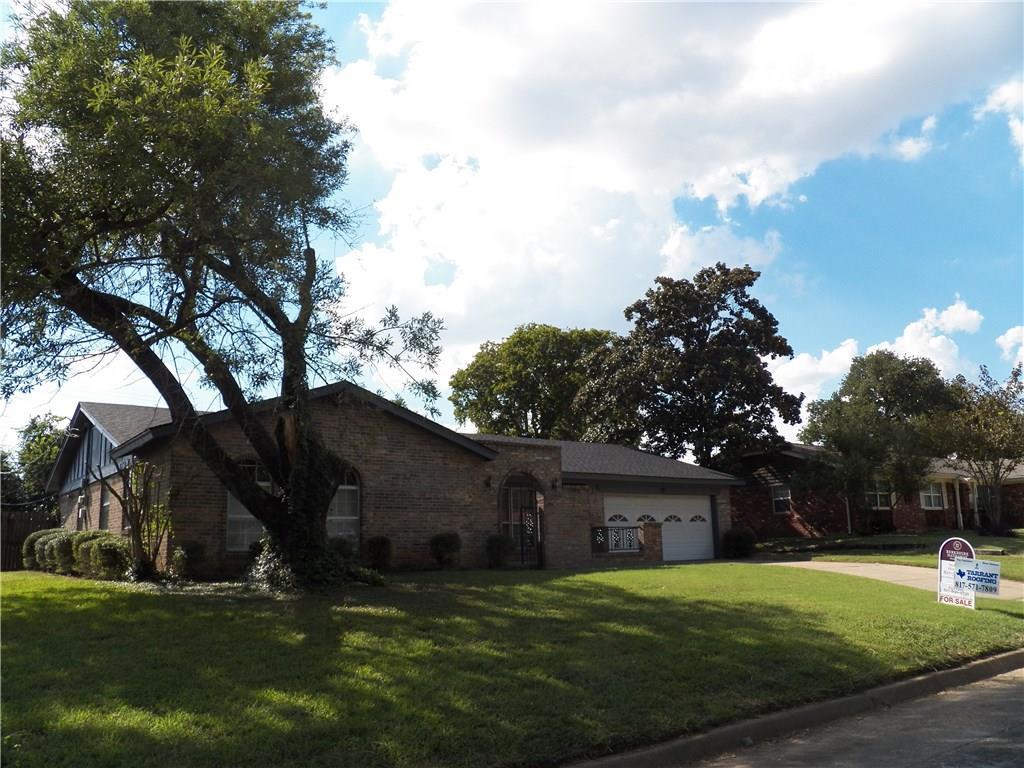 217 Cooper Drive, Hurst, TX 76053