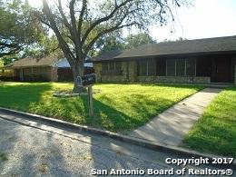 827 Saint Matthew St, Gonzales, TX 78629