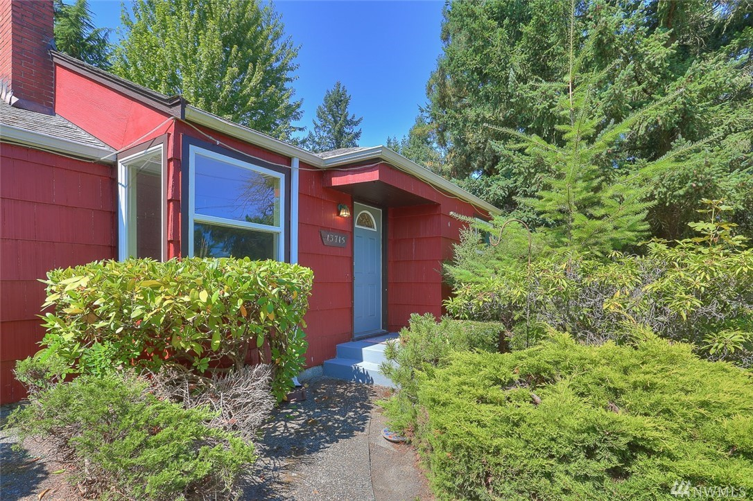 13715 Burke Ave N, Seattle, WA 98133