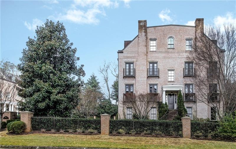 92 Old Ivy Road 10, Atlanta, GA 30342