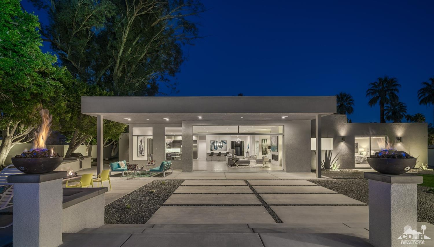 975 N Patencio Road, Palm Springs, CA 92262