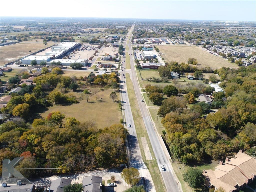 1404 W Pleasant Run Road, Lancaster, TX 75146