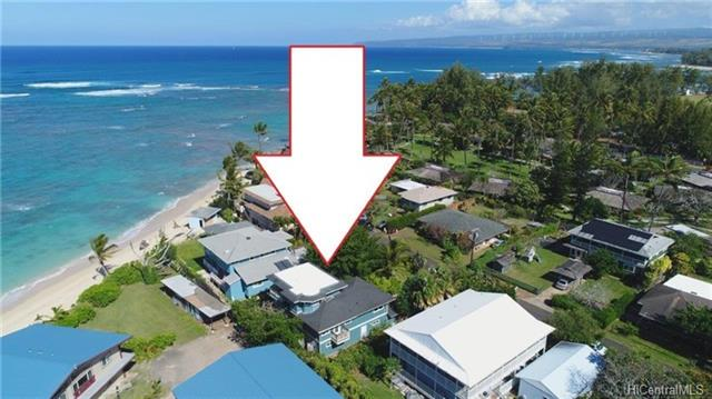 Magnificent ocean view, quiet cul-de-sac, steps to white sand beach, steel framing and slate floors.  Country living, close to Polo Field and nearby general aviation Dillingham Airfield, hiking trails and minutes to Waialua and Historic Haleiwa Town.