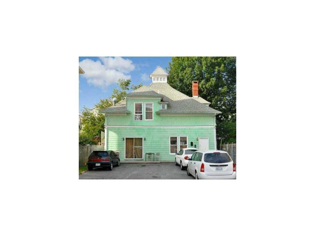 172 WAVERLY ST, Providence, RI 02909