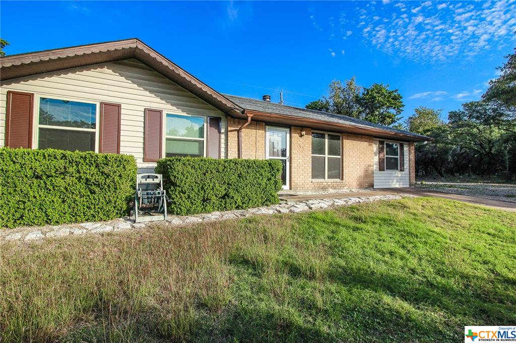 42 & 40 S Sherwood Drive, Belton, TX 76513