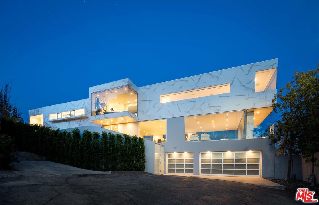 1654 BLUE JAY Way, Los Angeles (City), CA 90069