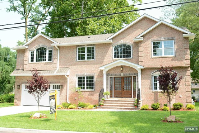 95 Oak Street, Closter, NJ 07624
