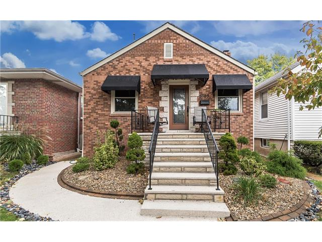 5643 Murdoch Avenue, St Louis, MO 63109