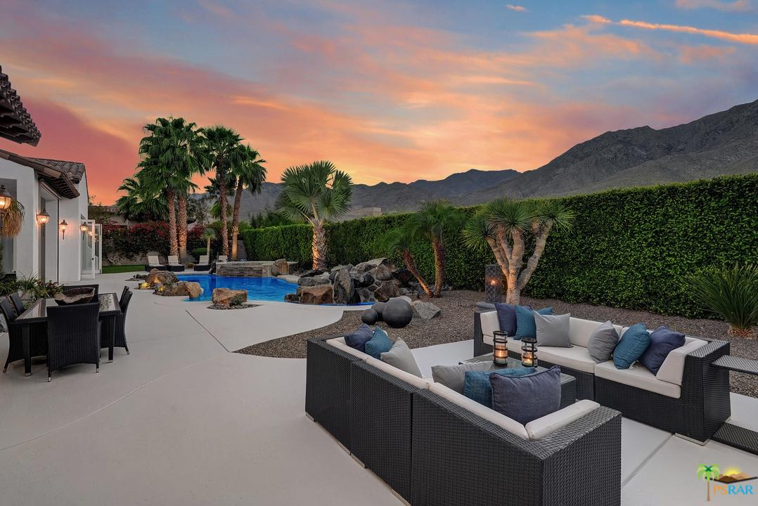 3207 LAS BRISAS Way, Palm Springs, CA 92264