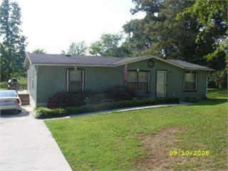 Good living living at a great price.  Need to see this home.  Very good neighborhood.   Call for an appointment.