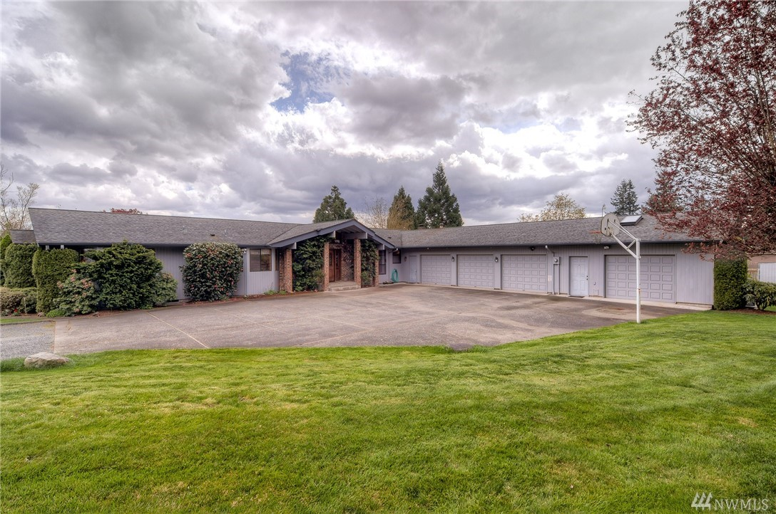 39619 254th Ave SE, Enumclaw, WA 98022