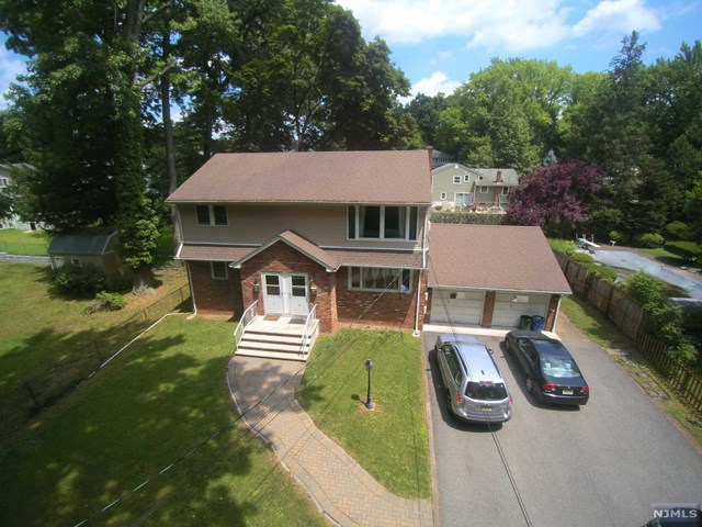 15-17 Barry Place, Bergenfield, NJ 07621