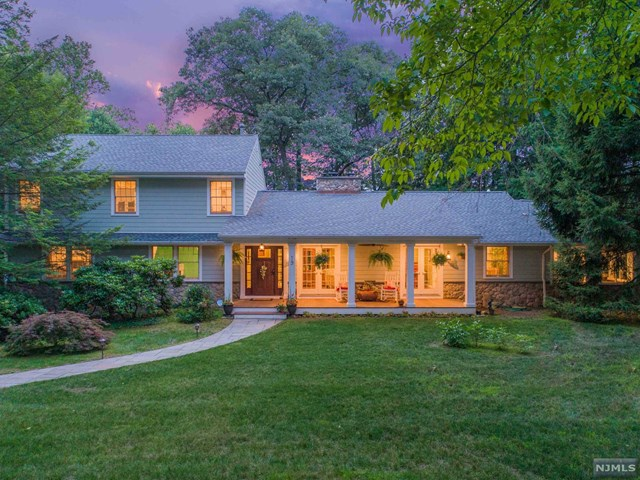 19 Plymouth Drive, Upper Saddle River, NJ 07458