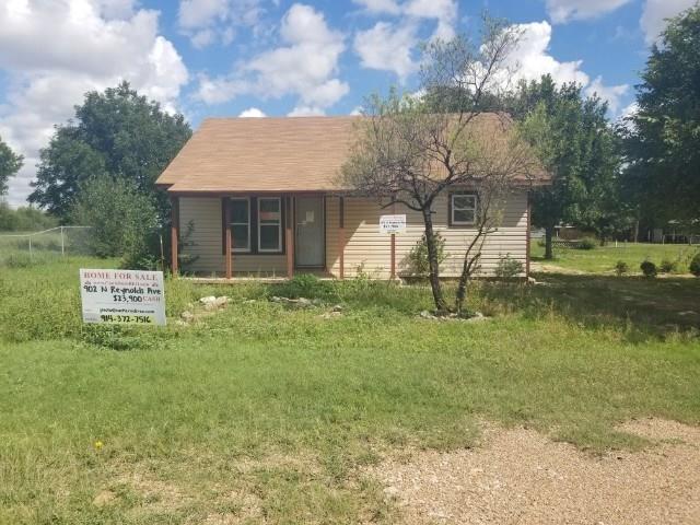 902 N Reynolds Avenue, Throckmorton, TX 76483