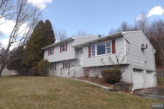 51 Layton Road, Wantage, NJ 07461