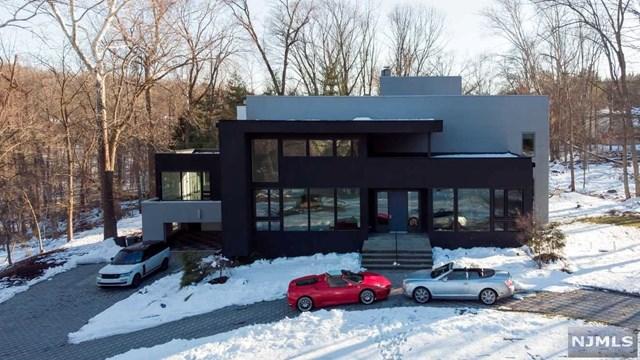 28 Elizabeth Terrace, Upper Saddle River, NJ 07458