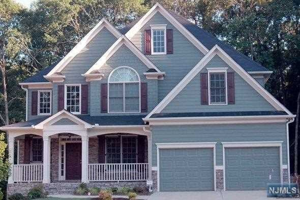 343 Maplewood Drive, Paramus, NJ 07652