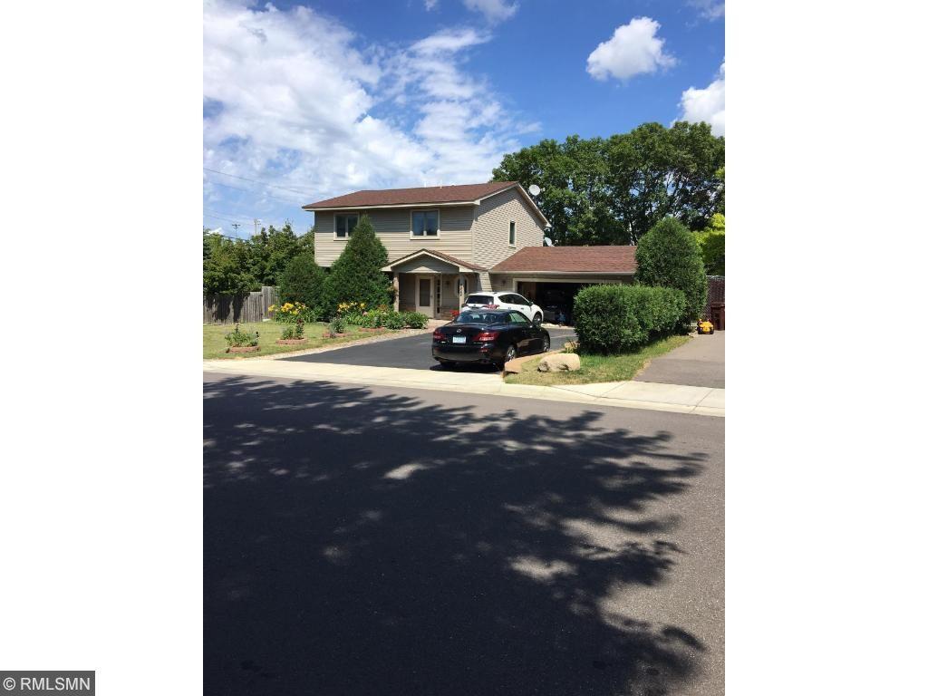 4864 Flag Avenue N, New Hope, MN 55428