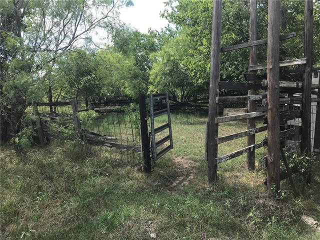 326 Cr 451 Waelder Texas 78959 Mls 4635650 Farms